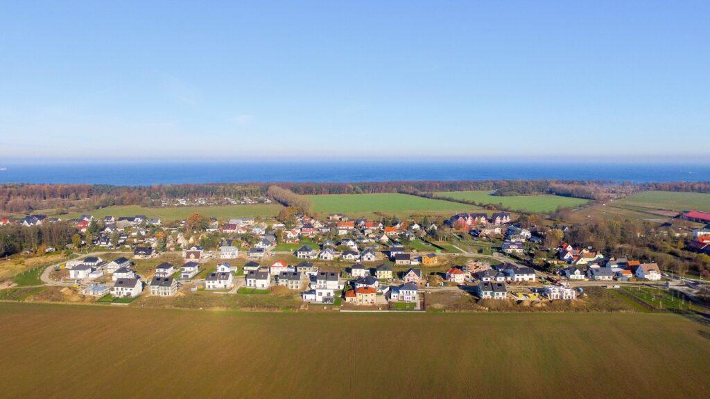 Luftaufnahme Am Golfplatz in Diedrichshagen mit Blick auf die Ostsee vom 14.11.2016