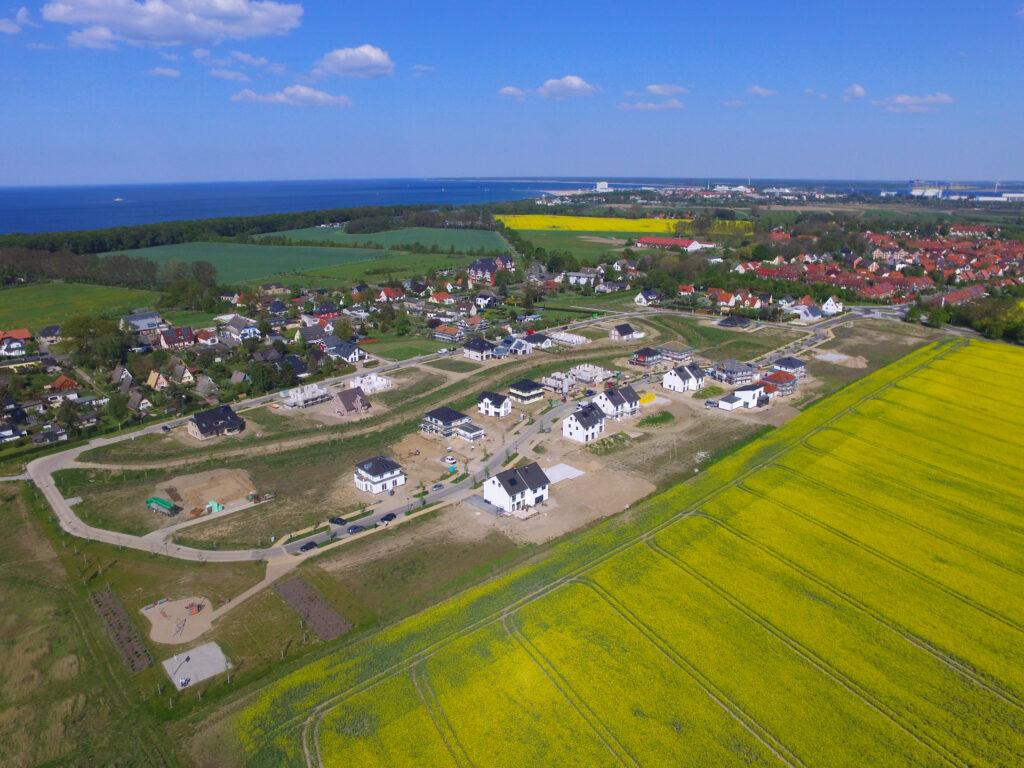 """Luftaufnahme Projektentwicklung """"Am Golfplatz"""" in Warnemünde / Diedrichshagen"""