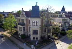Villa in der Stephanstraße in Rostock aus der Luft aufgenommen