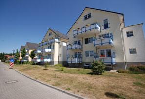 Mehrfamilienhäuser im Wiesenweg in Warnemünde
